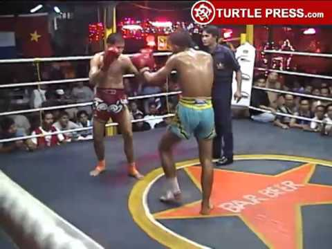 Muay Thai Fight Chiang Mai-6 Elbow Strike Knockout Image 1