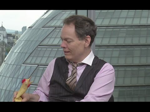 Keiser Report: 'Lazy, Crazy' Days of Summer (E785 ft. Plucky the Duck)