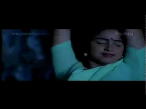 Malayalam actress Athira Hot juicy navel scene