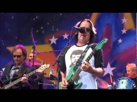 Todd Rundgren&Ringo Starr All Star Band - I SAW THE LIGHT and LOVE IS THE ANSWER, Portland Oregon
