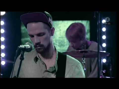 Local Natives - Cards & Quarters (Live Nyhetsmorgon 2010)
