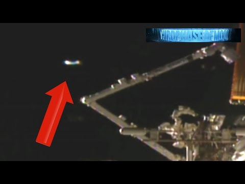 Wow Something Very Strange Just Visited Iss Nasa Cuts Feed
