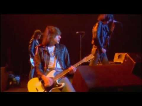 The Ramones - It's Alive (1977) - Blitzkrieg Bop