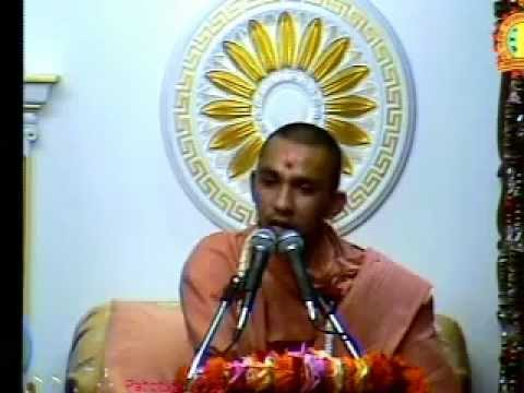 Willesden Temple 37th Patotsav 2012 - Day 1 - Morning Katha