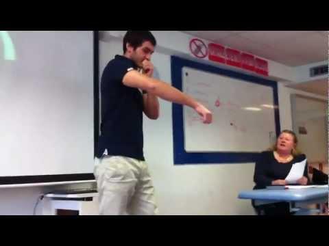 ★ MEC RAP SON COURS devant la classe!