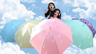 Learn Colors with Nursery Rhymes song for children Rain Rain Go Away - APRENDENDO AS CORES