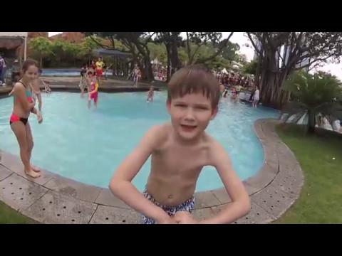 Детский парк в Гуанчжоу и открытие купального сезона - Жизнь в Китае #103