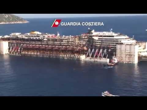 Costa Concordia Oggi Parte da Isola del Giglio - Video Elicottero