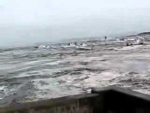 Entry Of Japan Tsunami At Coast-raw New Footage.flv video