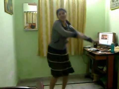 Sexy Radha's Hostel Dance On student Of The Year-radha Teri Chunri video
