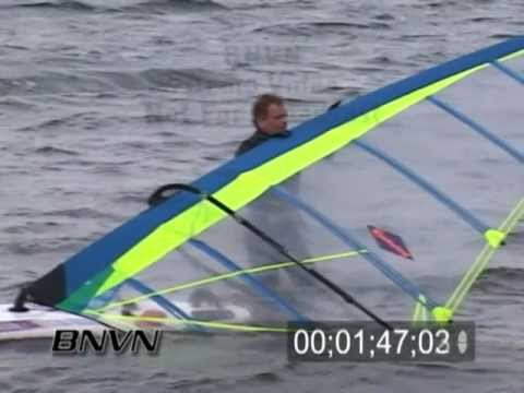 4/3/2004 People out in windy weather video