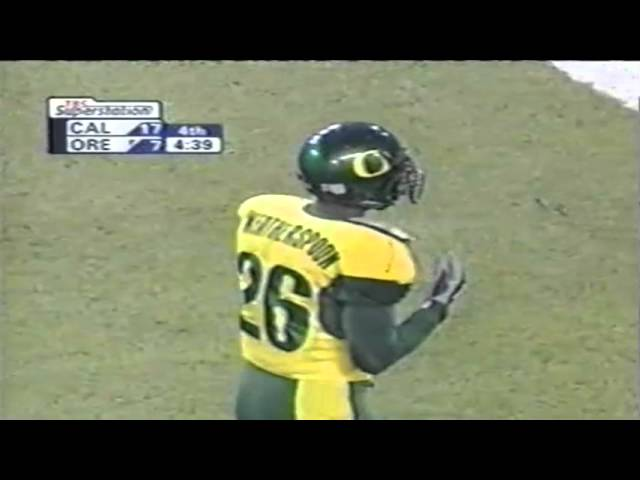Oregon WR Kyle Weatherspoon makes remarkable deflected catch vs. Cal 11-08-03