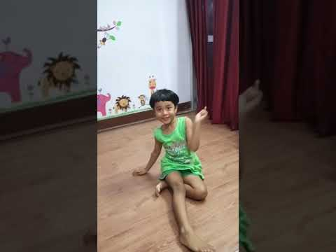 Cute Baby Hayat Beautiful Dance| Hook Up Song Dance| Student Of The Year 2| Huge Fan of Tiger Shroff