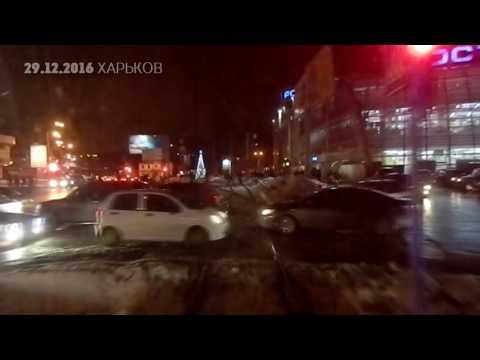 По Веринской, Моисеевскому мосту и Билецкого пошли трамваи