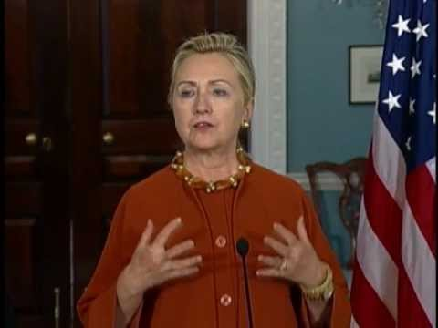 Secretary Clinton Meets With Portuguese Foreign Minister Portas