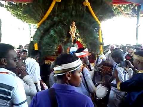 Om Sri Raja Muniswarar Urumi Melam New 2012 Maanaada Mayilaada....3gp video