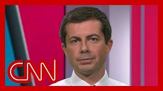 Pete Buttigieg takes swipe at Elizabeth Warren