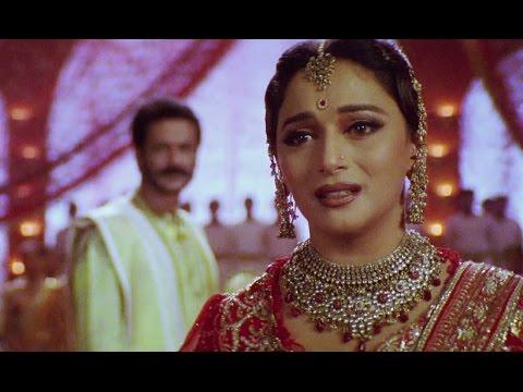 Madhuri Dixit Slaps Milind Gunaji | Devdas