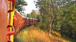 Dhulghat Spiral ~ Akola-Ratlam MG Passenger rounds the 270 degree curve and gradient!