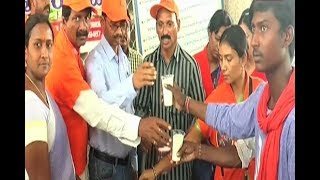 Sri Kalki Seva Samiti Distributed Ambali To Railway Passenger At Adilabad