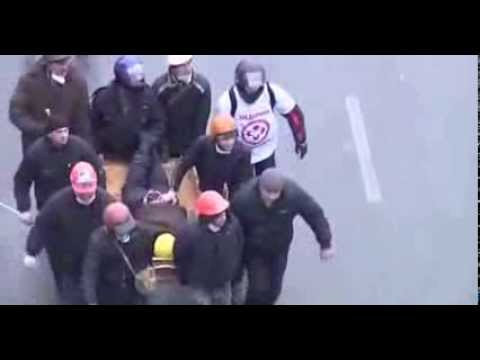 [FULL] Ukraine Kiev Protest 2014 : Sniper Fires On Cops | Raw Footage | Video HD