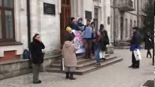 """""""CCA, fă ceva!"""" Protest contra manipulării și a rusificării"""