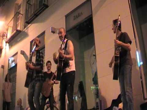 Ernest, Javier Ezpeleta y Seve, I'm yours unico, divertido e irrepetible en Preciados, Madrid.