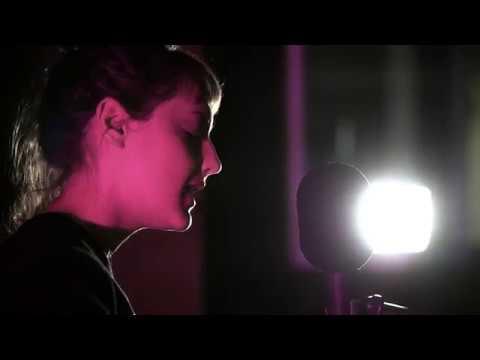 Mallu Magalhães - Vai e Vem | Ao vivo na Antena 3 | Antena 3 thumbnail