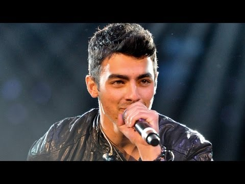 Joe Jonas Mentors Young Talent on THE NEXT