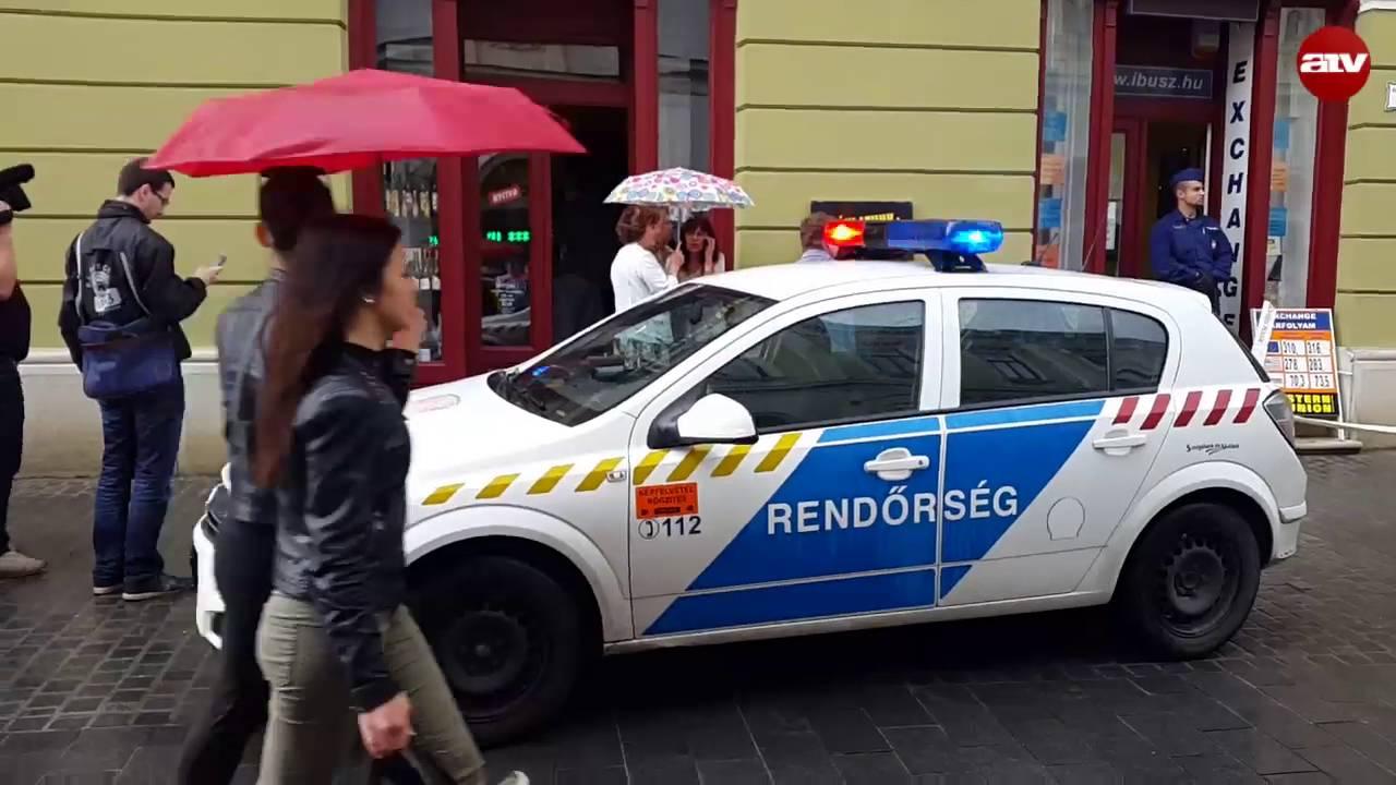Sokkolóval raboltak ki egy egri IBUSZ-irodát - videó