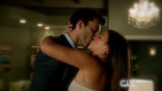 Jane the Virgin 1x09 Jane and Rafael Romantic Kiss Scene