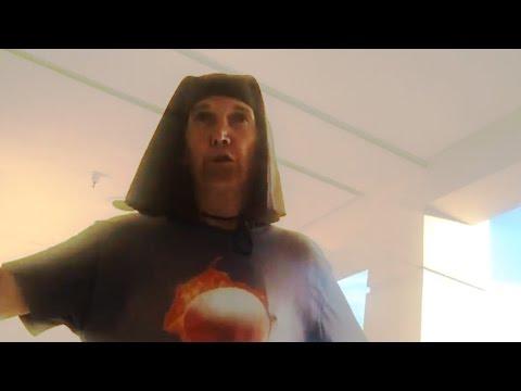 AMAZING HOMELESS MAN SINGS BROADWAY