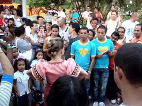 Entrada triunfal de Mileydis Vargas, Reina de Calle Arriba de Las Tablas 2010 Práctica de Tonadas
