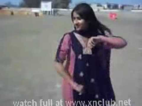 Karachi Girl Dance At Beach video