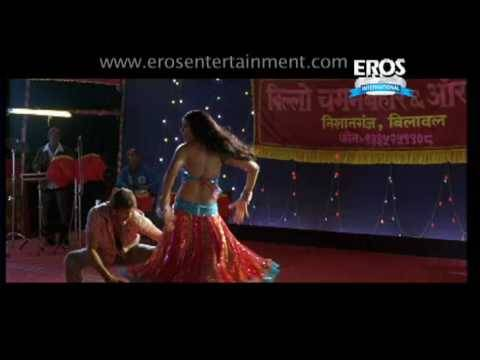 Sexy Bipasha Basu In Song Beedi From Omkara video