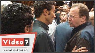 بالفيديو.. أحمد عدوية وخالد النبوى والسعدنى فى عزاء معالى زايد