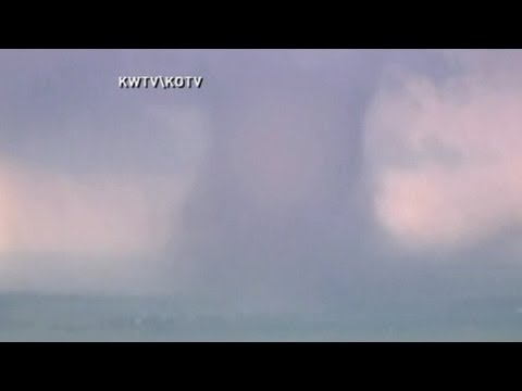 Moore Tornado Video: Entire Neighborhoods in Oklahoma Devastated