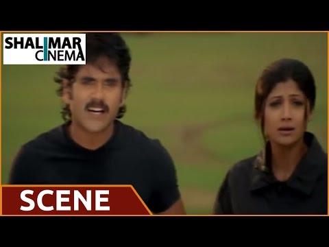 Azad Movie    Shilpa Shetty & Nagarjuna Lip To Lip Scene video