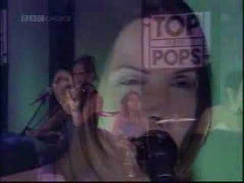 1998-08 - The Corrs - What Can I Do (Live  TOTP)