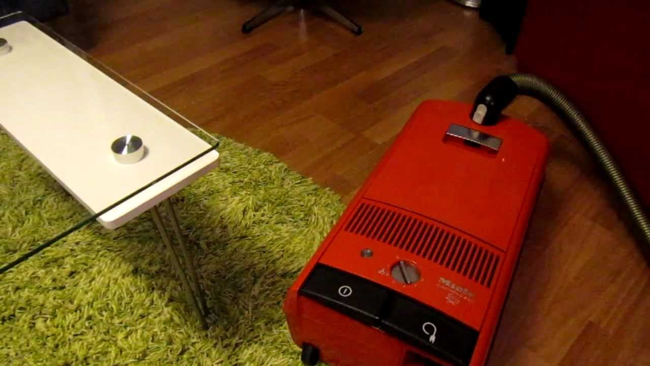 miele s224 electronic vacuum cleaner in action youtube. Black Bedroom Furniture Sets. Home Design Ideas