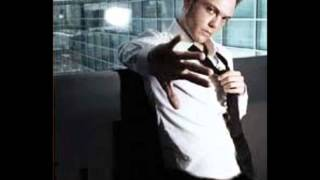 Watch Tiziano Ferro Baciano Le Donne video