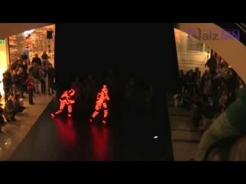 Best Flash Mob strikes the mall 2013