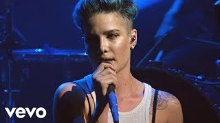 Download Lagu Halsey - Ghost (Vevo LIFT Live) Gratis STAFABAND