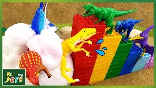 Funny Diving into a Bubble Pool. Making a Block Tower with Dinosaur Toys - Dino Mecard videoㅣJefeToy
