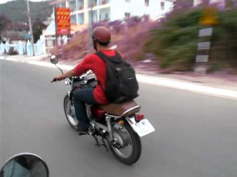 SYM Wolf 125 - Tour VungTau city 27032011 (part 2)