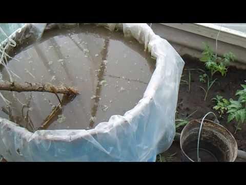 Приготовление жидкого органического удобрения.