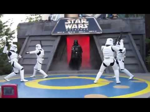 "Darth Vader Dances to ""Beat It"""