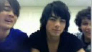 Watch Jonas Brothers Muffin Man video