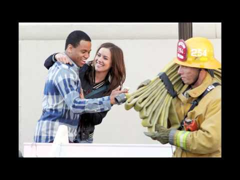 JESSICA STROUP AND TRISTAN WILDS - 90210