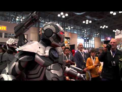 Master Le cosplay s: IRON MAN 2.0 Cosplay Debut NYCC 2012.